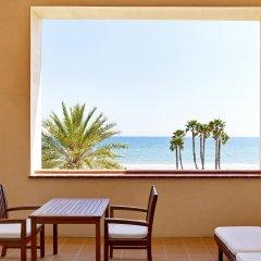 Отель Le Meridien Ra Beach Hotel & Spa Испания, Эль Вендрель - 3 отзыва об отеле, цены и фото номеров - забронировать отель Le Meridien Ra Beach Hotel & Spa онлайн балкон