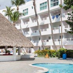 Отель Be Live Experience Hamaca Beach - All Inclusive Доминикана, Бока Чика - 1 отзыв об отеле, цены и фото номеров - забронировать отель Be Live Experience Hamaca Beach - All Inclusive онлайн бассейн фото 2