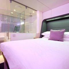 Отель YOTELAIR Amsterdam Schiphol - Transit Hotel Нидерланды, Схипхол - отзывы, цены и фото номеров - забронировать отель YOTELAIR Amsterdam Schiphol - Transit Hotel онлайн комната для гостей