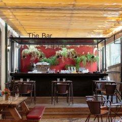 The Independente Hostel & Suites Лиссабон гостиничный бар
