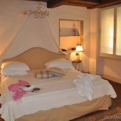 Отель Al Palazzo del Marchese di Camugliano Италия, Флоренция - отзывы, цены и фото номеров - забронировать отель Al Palazzo del Marchese di Camugliano онлайн комната для гостей фото 5