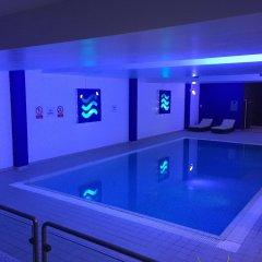 Radisson Blu Hotel London Stansted Airport бассейн фото 2