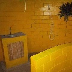 Отель Stumble Inn Eco Lodge Гана, Шама - отзывы, цены и фото номеров - забронировать отель Stumble Inn Eco Lodge онлайн ванная фото 2