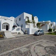 Отель Mediterranean Beach Palace Hotel Греция, Остров Санторини - отзывы, цены и фото номеров - забронировать отель Mediterranean Beach Palace Hotel онлайн парковка