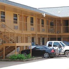 Отель Coach Light Inn парковка