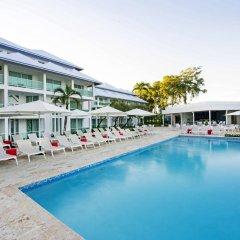Отель Grand Paradise Playa Dorada - All Inclusive бассейн