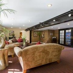 Отель Wilshire Crest Hotel США, Лос-Анджелес - отзывы, цены и фото номеров - забронировать отель Wilshire Crest Hotel онлайн интерьер отеля фото 3