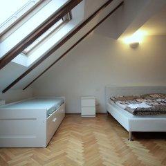 Апартаменты Generous Attic Apartment комната для гостей фото 5