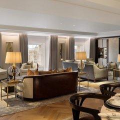Four Seasons Hotel London at Ten Trinity Square интерьер отеля фото 2