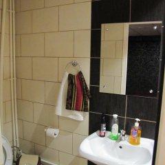 Гостиница Revolutsii 28 в Перми отзывы, цены и фото номеров - забронировать гостиницу Revolutsii 28 онлайн Пермь ванная
