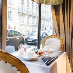 Отель Hôtel Claridge в номере