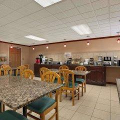 Отель Baymont Inn & Suites - Sullivan питание