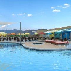 Отель Stratosphere Hotel, Casino & Tower США, Лас-Вегас - 8 отзывов об отеле, цены и фото номеров - забронировать отель Stratosphere Hotel, Casino & Tower онлайн бассейн фото 3