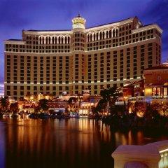 Отель Bellagio США, Лас-Вегас - - забронировать отель Bellagio, цены и фото номеров приотельная территория