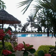 Tourane Hotel бассейн