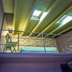 Отель B&B Antico Borgo Манерба-дель-Гарда бассейн