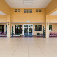 Отель Quality Inn Sarasota North интерьер отеля фото 2