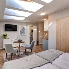 Отель Joyinn Aparthotel Вроцлав комната для гостей