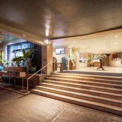 Отель Castle Waikiki Grand Hotel США, Гонолулу - отзывы, цены и фото номеров - забронировать отель Castle Waikiki Grand Hotel онлайн гостиничный бар
