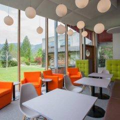 Отель Hells Ferienresort Zillertal Австрия, Фюген - отзывы, цены и фото номеров - забронировать отель Hells Ferienresort Zillertal онлайн гостиничный бар