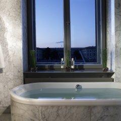 Отель de Rome - Rocco Forte Германия, Берлин - 1 отзыв об отеле, цены и фото номеров - забронировать отель de Rome - Rocco Forte онлайн ванная фото 2