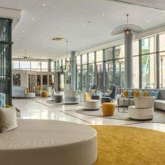 Отель NH Amsterdam Schiphol Airport Нидерланды, Хофддорп - 3 отзыва об отеле, цены и фото номеров - забронировать отель NH Amsterdam Schiphol Airport онлайн гостиничный бар