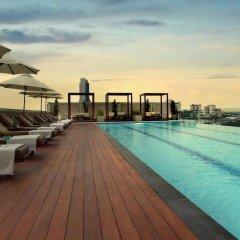Отель Amari Residences Bangkok бассейн