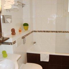 Отель Acropole Франция, Париж - 1 отзыв об отеле, цены и фото номеров - забронировать отель Acropole онлайн ванная фото 2