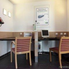 Отель Holiday Inn Express Geneva Airport удобства в номере фото 2