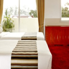 Отель Waterfront Suites Phuket by Centara фото 3