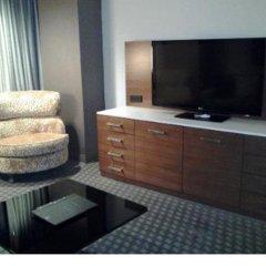 Отель Hilton Columbus Downtown США, Колумбус - отзывы, цены и фото номеров - забронировать отель Hilton Columbus Downtown онлайн удобства в номере