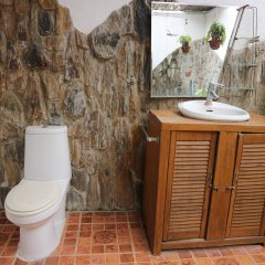 Отель The Lotus Garden Hotel Филиппины, Пуэрто-Принцеса - отзывы, цены и фото номеров - забронировать отель The Lotus Garden Hotel онлайн ванная фото 2