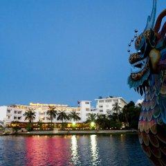 Отель Huong Giang Hotel Resort & Spa Вьетнам, Хюэ - 1 отзыв об отеле, цены и фото номеров - забронировать отель Huong Giang Hotel Resort & Spa онлайн приотельная территория фото 2