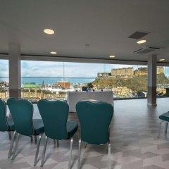 Отель Doubletree By Hilton Edinburgh City Centre Эдинбург бассейн
