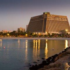 Отель Radisson Blu Resort, Sharjah пляж