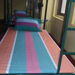 Отель Hikka Train Hostel Шри-Ланка, Хиккадува - отзывы, цены и фото номеров - забронировать отель Hikka Train Hostel онлайн интерьер отеля фото 2