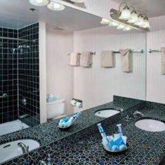 Отель Four Queens Hotel and Casino (No Resort Fee) США, Лас-Вегас - отзывы, цены и фото номеров - забронировать отель Four Queens Hotel and Casino (No Resort Fee) онлайн ванная фото 3