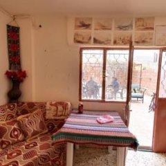 Отель Why not bedouin house Иордания, Вади-Муса - отзывы, цены и фото номеров - забронировать отель Why not bedouin house онлайн комната для гостей фото 4