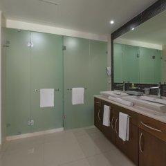Отель Mareazul Family Beach Condohotel Плая-дель-Кармен ванная фото 2