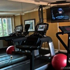 Отель The River Inn фитнесс-зал фото 2
