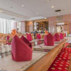Grand Tower Inn Rama VI Hotel гостиничный бар