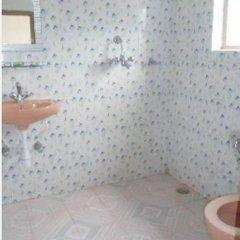 Отель Lotus Inn Непал, Покхара - отзывы, цены и фото номеров - забронировать отель Lotus Inn онлайн ванная фото 2