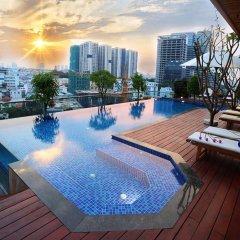 Отель Lotus SaiGon Hotel Вьетнам, Хошимин - отзывы, цены и фото номеров - забронировать отель Lotus SaiGon Hotel онлайн бассейн фото 2