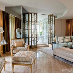 Отель Four Seasons George V Париж комната для гостей фото 4