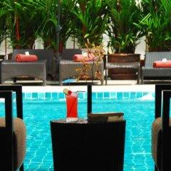 Отель Signature Pattaya Hotel Таиланд, Паттайя - отзывы, цены и фото номеров - забронировать отель Signature Pattaya Hotel онлайн бассейн фото 3