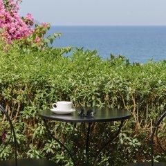 Отель Douka Seafront Residences пляж