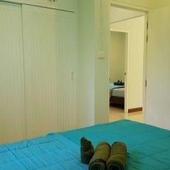Отель Phatong Residence сейф в номере