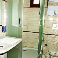 Samyeli Otel ve Restaurant Турция, Дикили - отзывы, цены и фото номеров - забронировать отель Samyeli Otel ve Restaurant онлайн ванная
