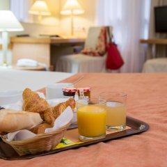 Отель Fertel Etoile Париж в номере
