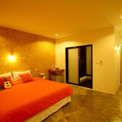 Отель Mbed Phuket Пхукет комната для гостей
